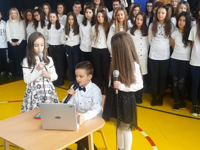"""Izazov mart: """"Poruka odraslima i mala škola informatike"""" – predstave za djecu i odrasle"""